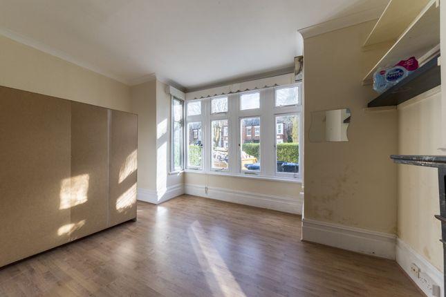 Thumbnail Flat to rent in Blenheim Gardens, Willesden Green