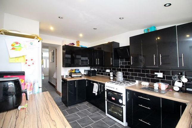 Kitchen of Brewery Street, Pontygwaith, Ferndale CF43