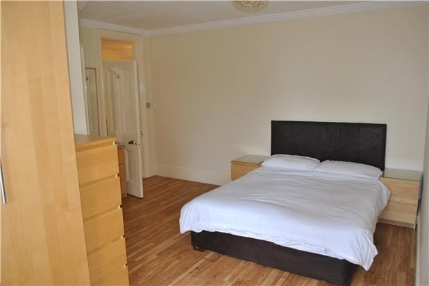 Thumbnail Flat to rent in South Cliff, Eastbourne