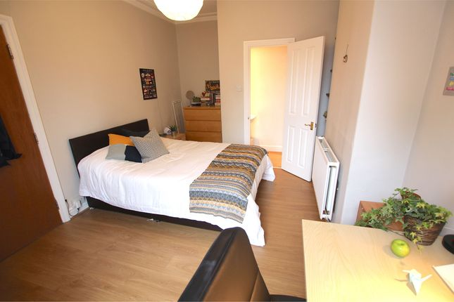 Thumbnail Terraced house to rent in Rochester Terrace, Headingley, Leeds