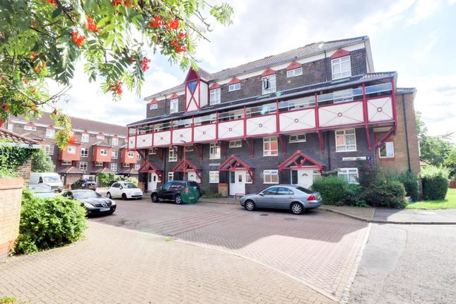 Thumbnail Property to rent in Barclay Court, Kennedy Close, Waltham Cross