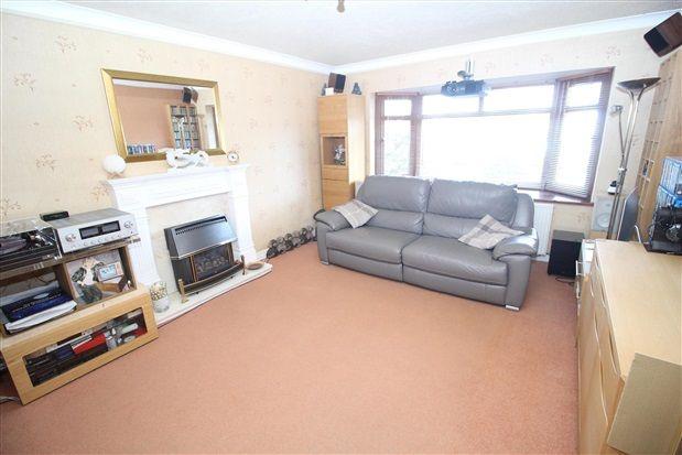 Lounge of Midgeland Road, Blackpool FY4