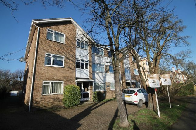 1 bed flat to rent in Stanwell Road, Ashford, Surrey