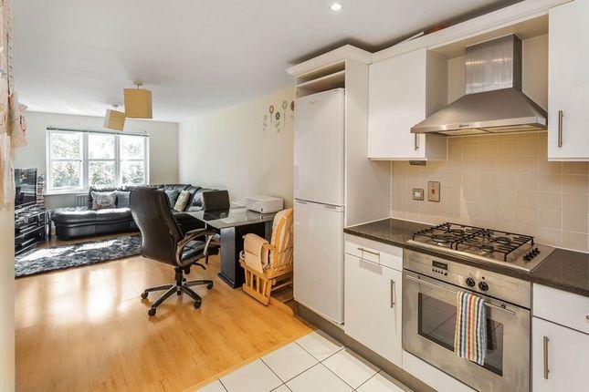 Thumbnail Flat to rent in Birdhurst Road, South Croydon