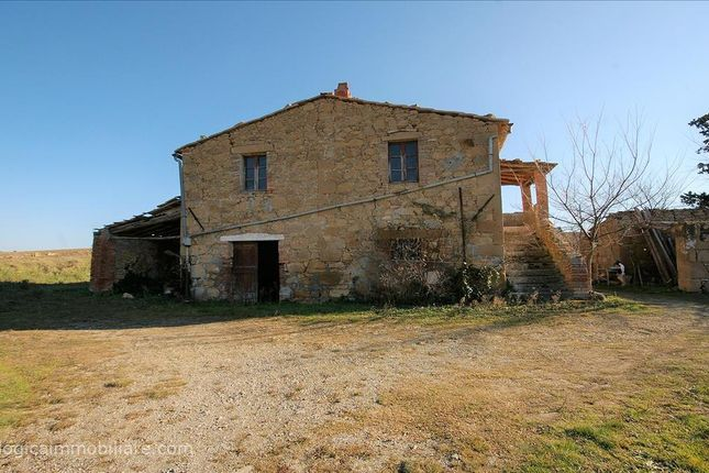 3 bed farmhouse for sale in Via Fontanelle, Pienza, Tuscany