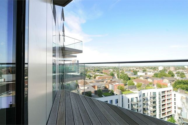 Thumbnail Flat to rent in Tennyson Apartments, Saffron Central Square, Croydon, Surrey