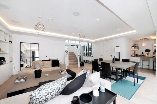 Thumbnail Flat to rent in Sunlight Mews, Stephendale Road, Fulham, London
