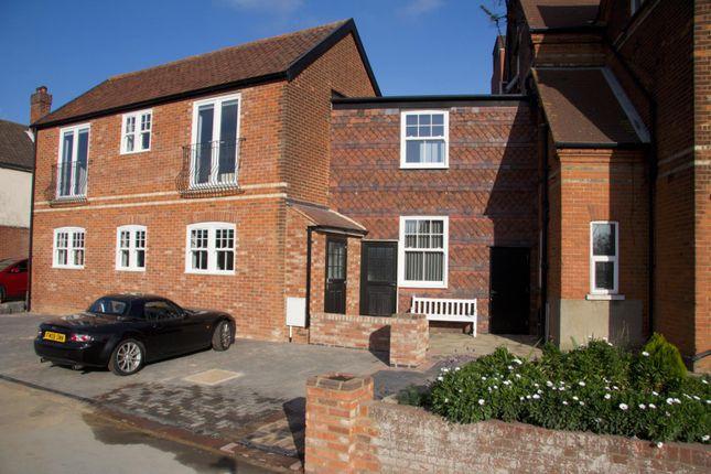 2 bed property to rent in Leopold Road, Felixstowe IP11