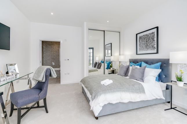 Thumbnail Flat for sale in Penthouse, Queens Road Apartments, Queens Road Peckham, London