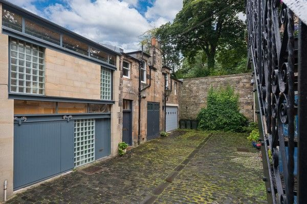 Thumbnail Mews house to rent in Regent Terrace Mews, Calton Hill, Edinburgh