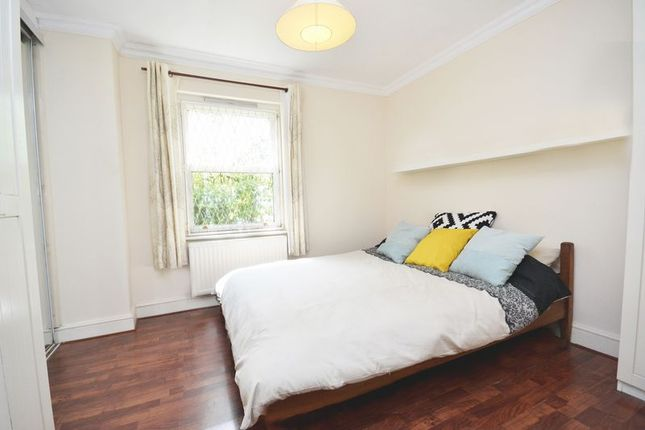 Thumbnail Flat to rent in Liberty Mews, Clapham South