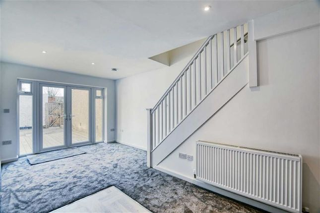 Thumbnail Flat for sale in Maple Road, Penge, London
