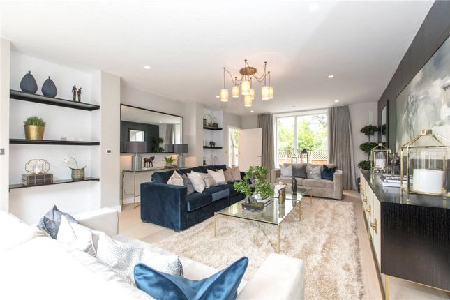 Thumbnail Terraced house for sale in The Avenue, Woodside Square, London