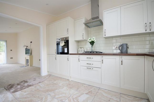 Thumbnail Mobile/park home for sale in Lower Dunsforth, York