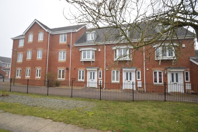 Thumbnail Town house to rent in Epsom Close, Stevenage