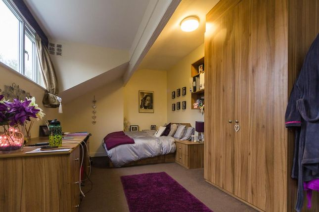 Thumbnail Flat to rent in Flat 3, 11 Ash Grove, Hyde Park