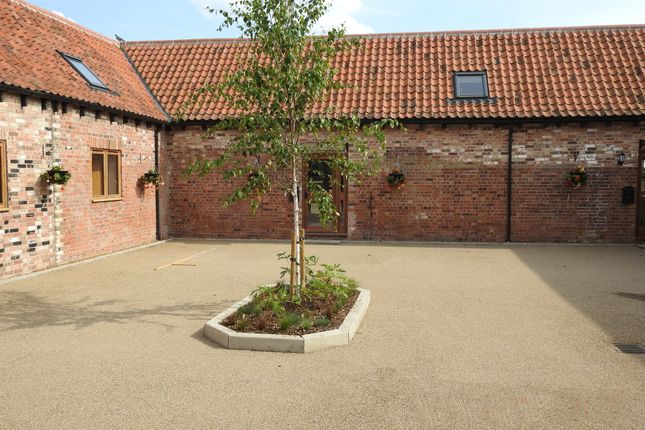 3 bed barn conversion for sale in Gull Lane, Leverington, Wisbech