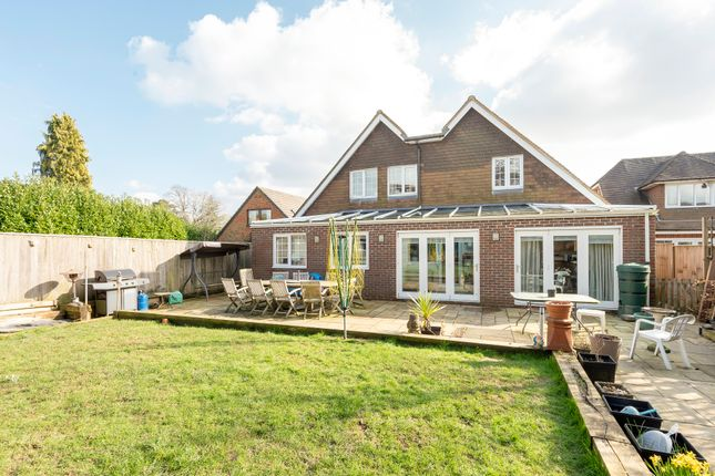 Thumbnail Detached house for sale in Winchester Road, Four Marks, Alton