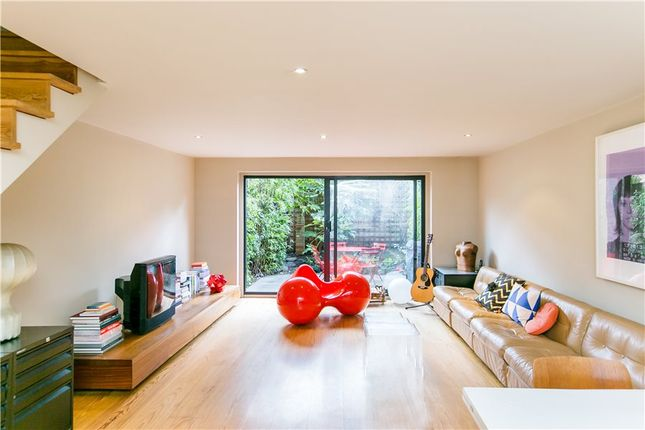 2 bed flat for sale in Wesley Square, London