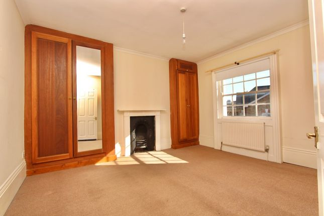 Thumbnail Maisonette to rent in Stamford Grove West, Hill, London