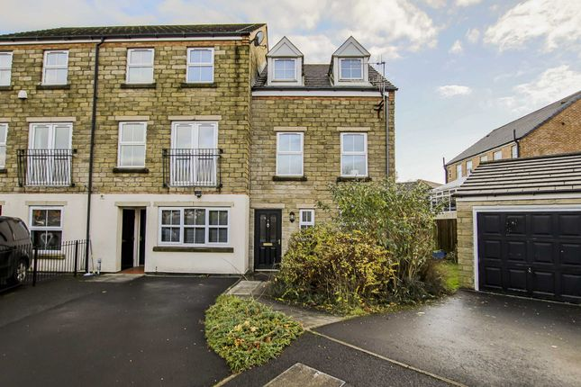 Thumbnail Town house to rent in Whitpark Grove, Burnley
