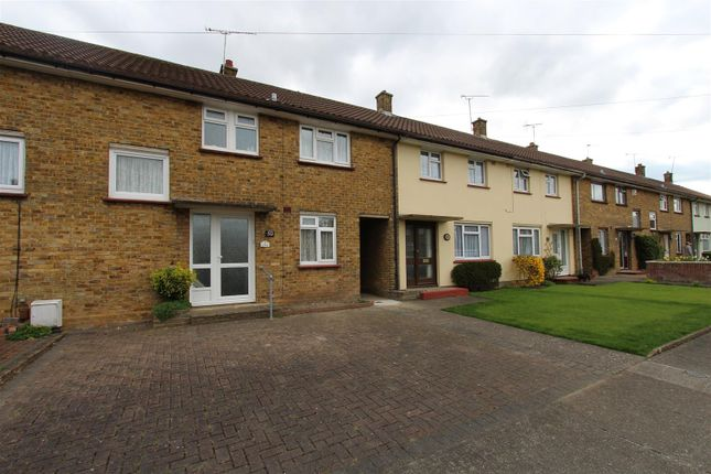 Thumbnail Property to rent in Regis Crescent, Sittingbourne