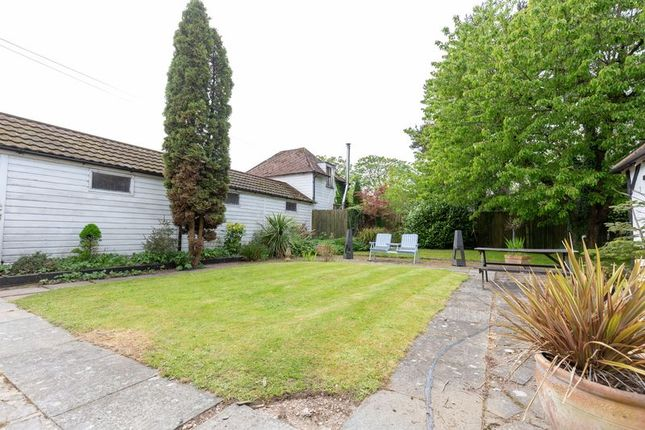 Photo 15 of West Park Road, Newchapel, Lingfield, Surrey RH7