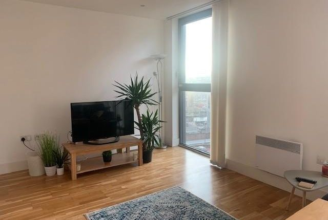 2 bed flat to rent in Rumford Place, Liverpool L3