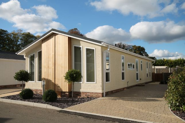 Thumbnail Mobile/park home for sale in Appleacre Park, London Road, Fowlmere