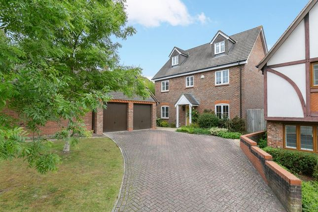 Thumbnail Detached house for sale in Walhatch Close, Forest Row