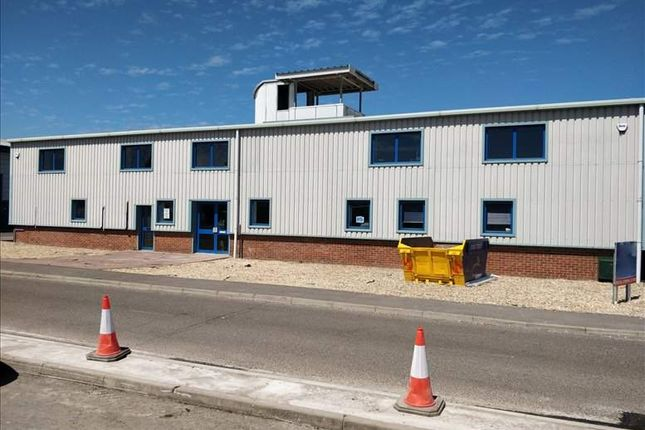 Thumbnail Office to let in Dolphin Enterprise Centre, Evershed Way, Shoreham-By-Sea