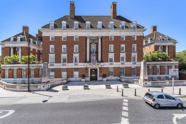 2 bed flat for sale in Richmond Hill, Richmond TW10