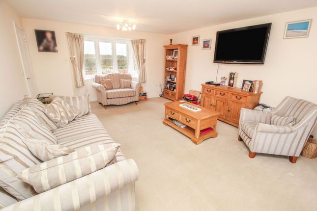 Lounge of Falling Sands Close, Stour Valley Kidderminster DY11