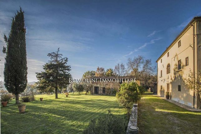 9 bed country house for sale in Sansepolcro, Tuscany, Italy