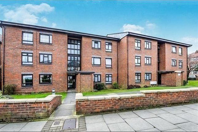 Thumbnail Flat to rent in Whitefriars Court, Friern Park, North Finchley