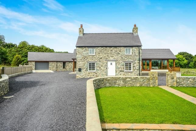 Thumbnail Detached house for sale in Lon Ganol, Llandegfan, Menai Bridge, Sir Ynys Mon