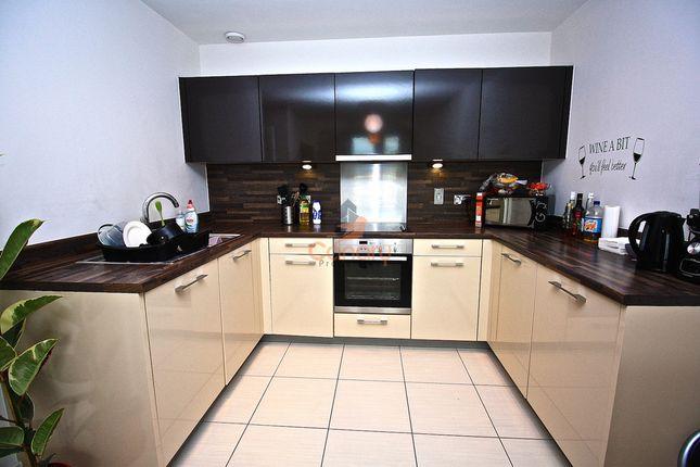 Thumbnail Flat to rent in Kd Tower, Cotterells, Hemel Hempstead, Hertfordshire