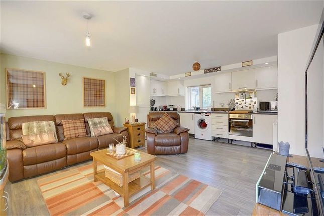 Thumbnail Flat for sale in Gournay Road, Hailsham