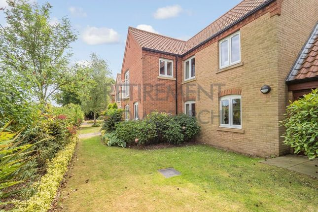 Thumbnail Flat for sale in Ainsworth Court, Holt
