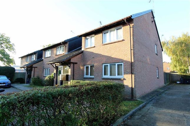 Thumbnail Flat for sale in Hereward Green, Loughton