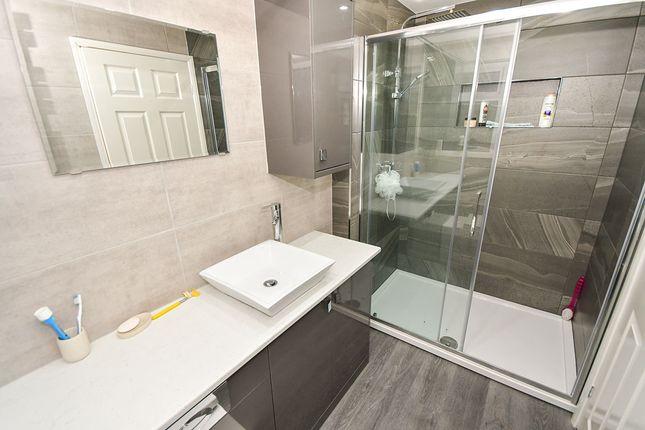 Shower Room of St. Pauls Avenue, Cherry Willingham, Lincoln LN3