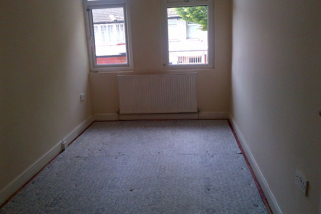Thumbnail End terrace house to rent in Winchester Road, London