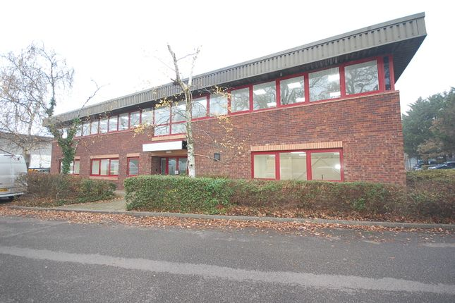 Industrial to let in Pipers Court, Thatcham