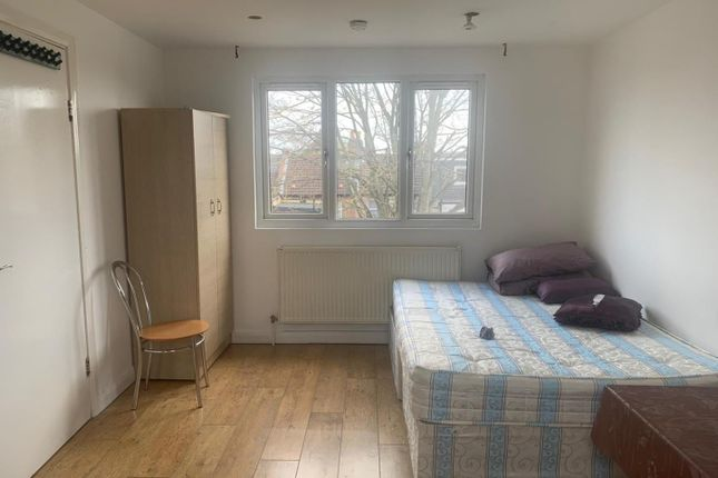 Thumbnail Studio to rent in Hester Road, London