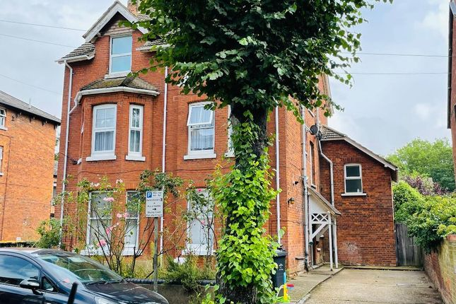 Studio for sale in Chaucer Road, Bedford MK40