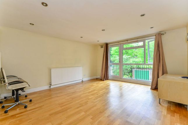 Thumbnail Flat to rent in Westwood Court, Honor Oak Park