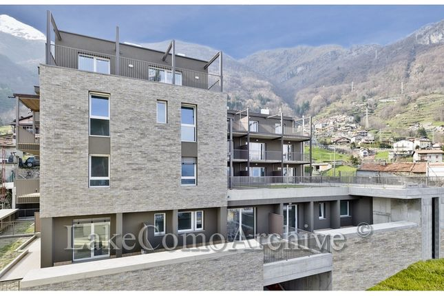 2 bed apartment for sale in Musso, Lake Como, Italy