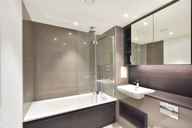 Bathroom of Gordian Apartments, 34 Cable Walk, London SE10
