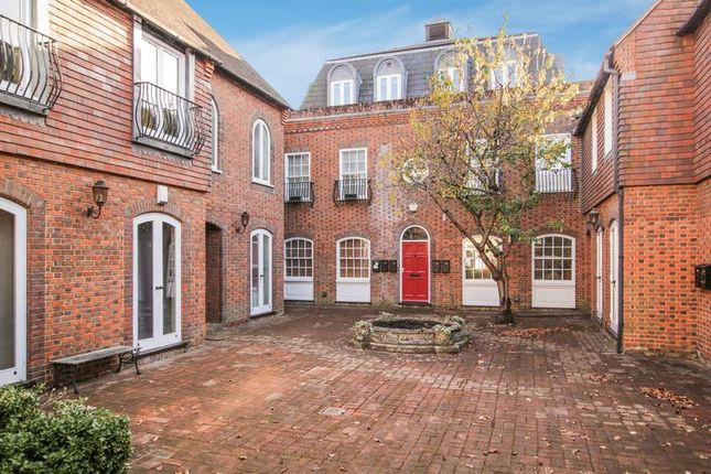 Thumbnail Flat for sale in Lombard Street, Abingdon