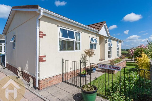 Thumbnail Mobile/park home for sale in Chippenham Road, Lyneham, Chippenham